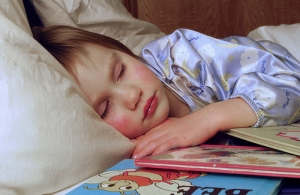 spiaca-dziewczynka