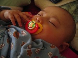 dziecko-śpiące
